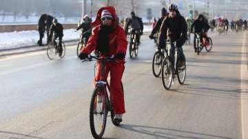 Мразовитото време не изплаши колоездачите в Москва
