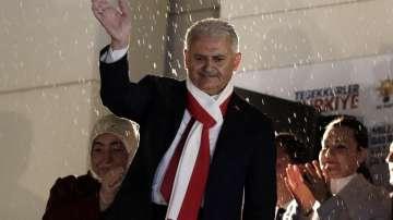 Турският премиер: Всички трябва да уважават резултата от референдума!