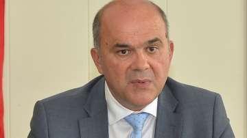 Министър Петков пред НС: Новият закон за хора с увреждания ще е готов наесен