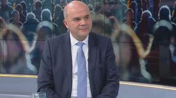 Бисер Петков: Таванът на пенсиите остава, но се повишава за всички от 1 юли