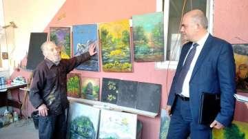 Социалният министър посети Националния център за рехабилитация на незрящи