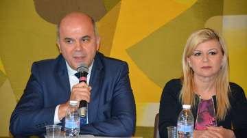 Бисер Петков: Постигнахме приемлив консенсус по Закона за хората с увреждания