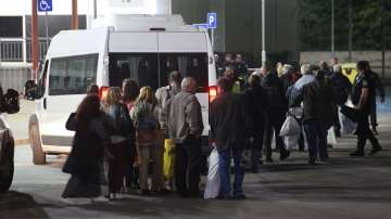 Без затруднения при предаването на изборните протоколи в Арена Армеец