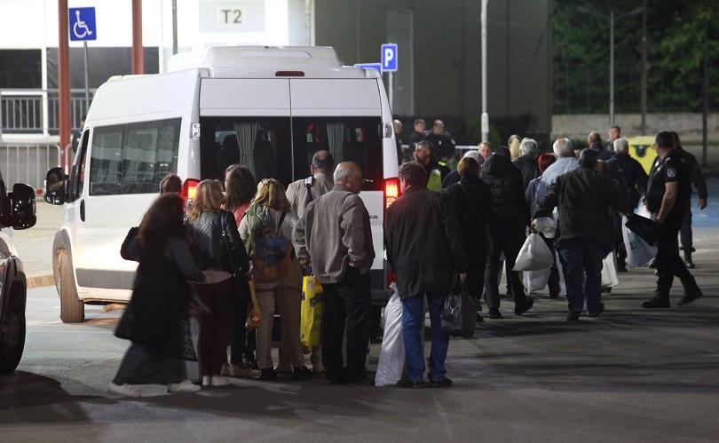 Без затруднения и напрежение Районните избирателни комисии в столицата приемат