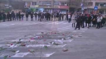 След нелепата смърт на момиче, протестиращи се срещнаха с кмета на Благоевград