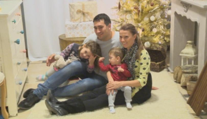 Коледните фотосесии напоследък са все по-търсен подарък за празника. Традицията