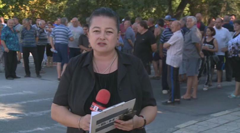 Пети пореден ден протестират жителите на Община Долни Чифлик и