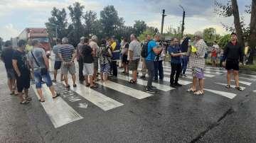Протестиращи срещу мерките за АЧС блокираха за цяла нощ пътя Сливен - Ямбол