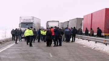 Даниел Митов и румънският му колега обсъдиха ситуацията на Дунав мост 2