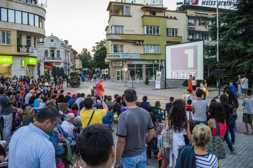 Пътуващото лятно кино на гости в Казанлък