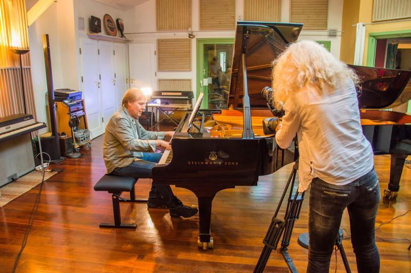 Пианистът Ричард Клайдерман празнува 40 години на сцената със световно