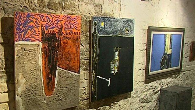 Приятели на Кольо Карамфилов подредиха изложба с негови творби