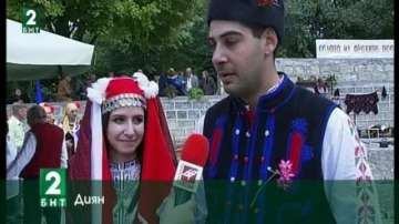Етносватба събра стотици в народни носии