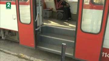 Трудноподвижни хора нямат достъп до градския транспорт в ж.к.Лев Толстой