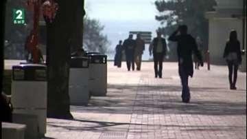 Строги санкции за алкохол и цигари на детски площадки във Варна