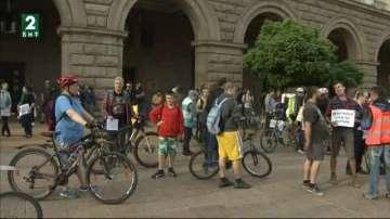 Велосипедисти настояха за изграждане на велоалея на бул. Дондуков