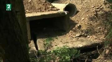 Жител на село Кътина строи незаконен път върху речно корито