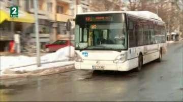 Снегът пак ни изненада, смятат шофьорите в Пловдив