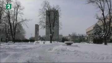 Бедствено положение във Видин заради снегонавявания и тежка пътна обстановка