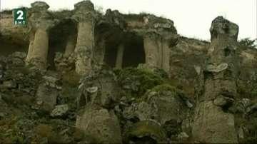 Незаконно сметище изникна до природния феномен Побити камъни край Варна