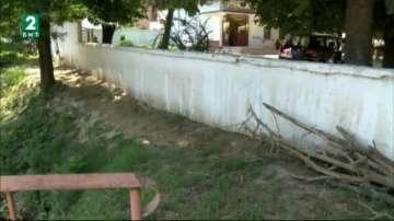 Девети ден отводняват домове и обществени сгради в Свищовско
