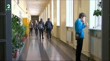 Конфликт между РУО и гимназия в Русе заради план-приема