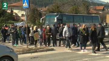 Жители на район Панчарево отново на протест заради честото спиране на тока
