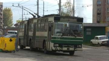 Тролеите в Перник са спрени заради неплатен ток