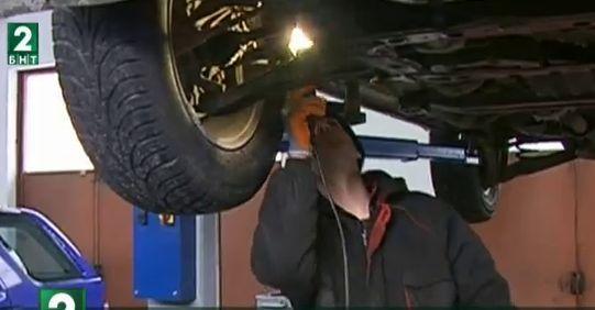Десетки автомобили в Пловдив са на ремонт заради леда по пътищата