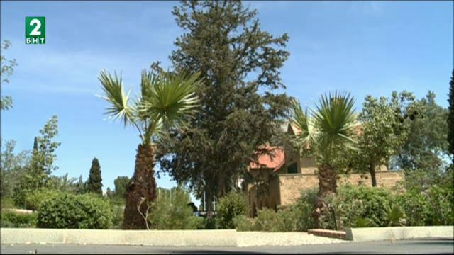 Кипър вече е разделен на две часови зони