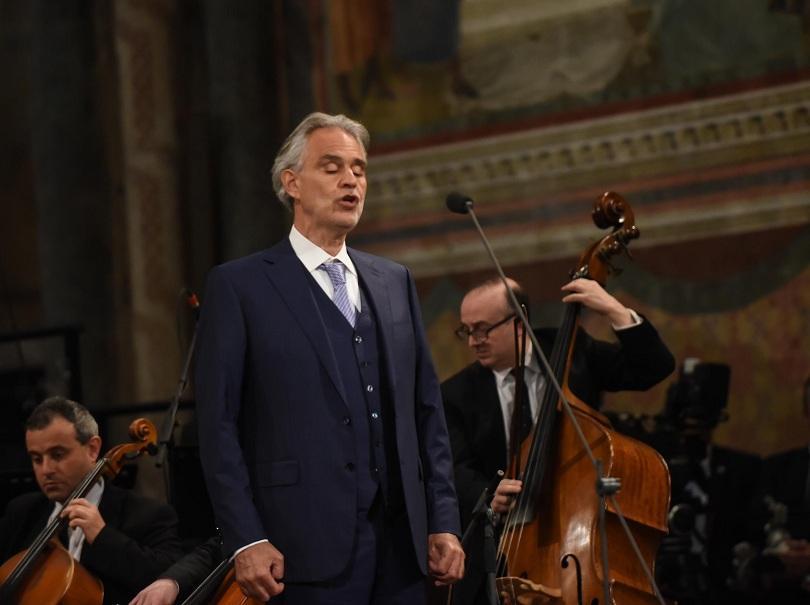 Италианската оперна звезда Андреа Бочели започва инициатива под името