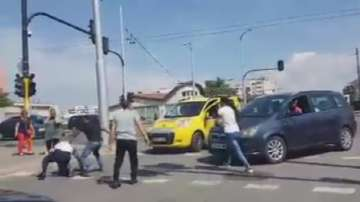Трима задържани след масов бой в София заради инцидент с каруца