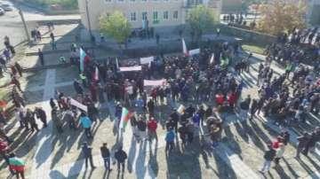 Бояново се вдигна на протест срещу нов бежански център