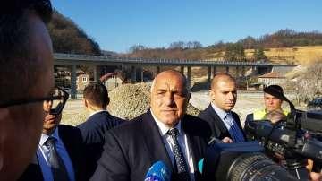 Премиерът инспектира строежа на пътища в Габровско