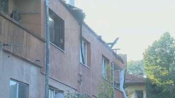 Няколко семейства остават без дом след пожара в Божурище