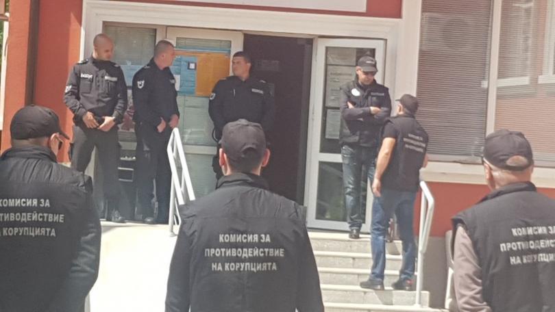 Кметът на Божурище остава в ареста. Прокуратурата ще поиска отстраняването