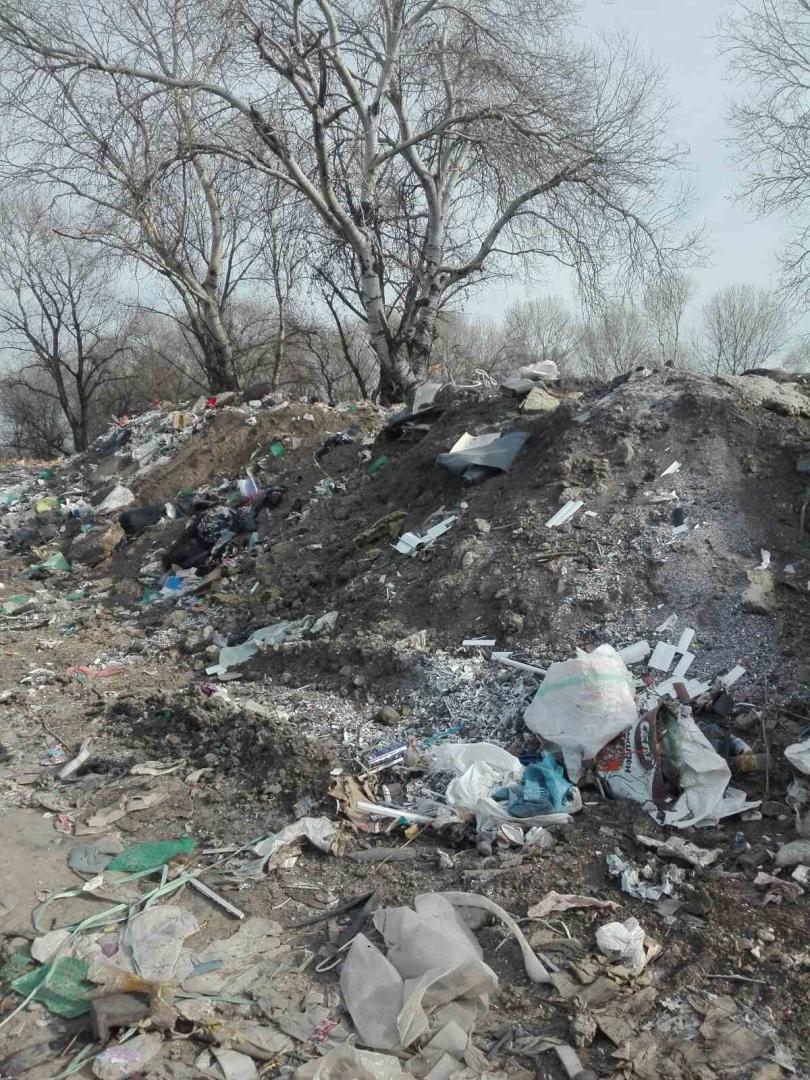 снимка 11 Откриха тонове боклук от Испания в коритото на река Чая край Катуница (СНИМКИ)