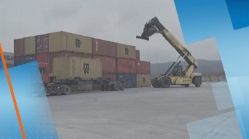 Товарят поредните 54 контейнера с отпадъци за реекспорт в Италия