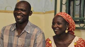 Освободените 21 пленички на Боко Харам се срещнаха с родителите си