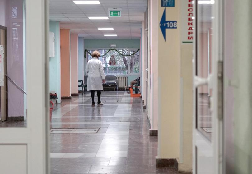 снимка 2 След проверката за смъртта на 3-годишното дете: Педиатърката отново на работа