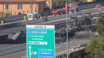 Четири от пострадалите български ученици в Болоня остават в болница