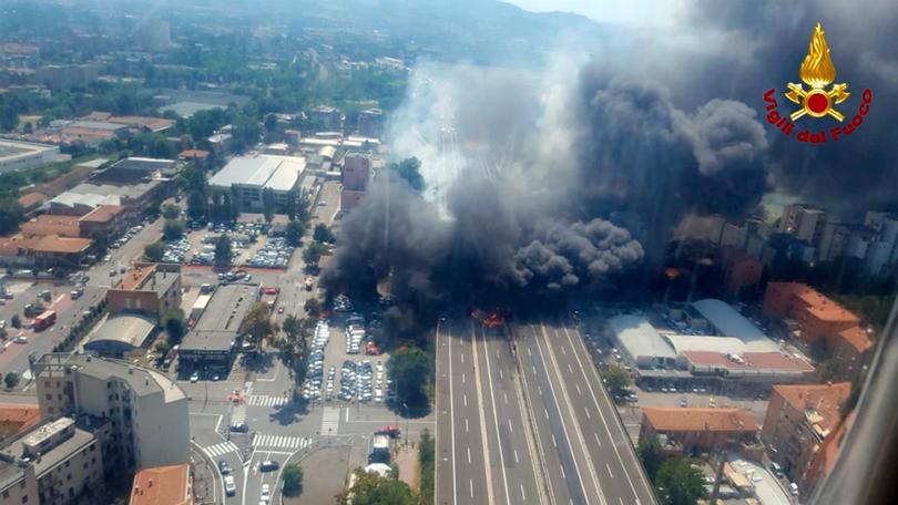Трима от пострадалите български ученици при експлозията в Болоня остават