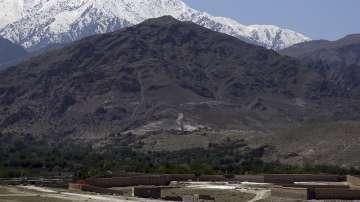 Решението за пускането на мега-бомба над Афганистан е било изцяло тактическо