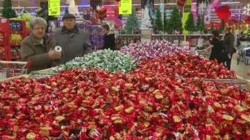 Унгарците харчат повече за коледни бонбони