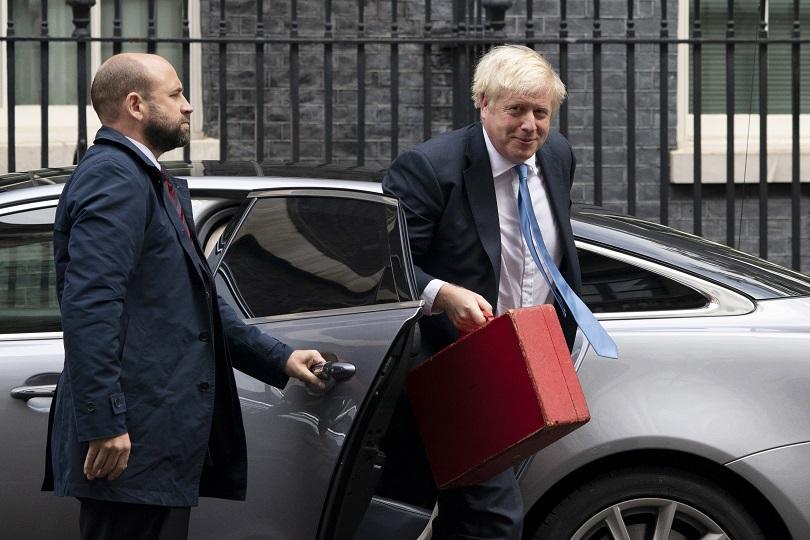 Британските депутати отново заседават в Лондон след като Върховният съд