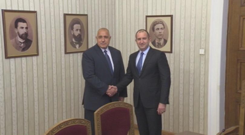 снимка 2 БСП и ГЕРБ на консултации при президента Радев