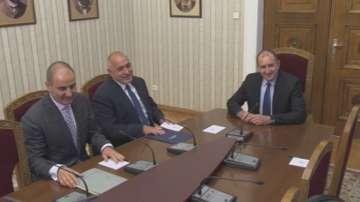 Президентът Румен Радев започна консултациите с ПГ на ГЕРБ