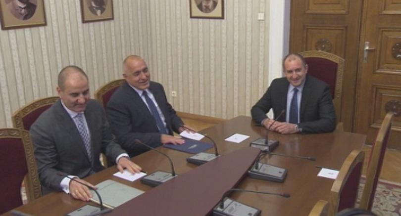 снимка 3 БСП и ГЕРБ на консултации при президента Радев