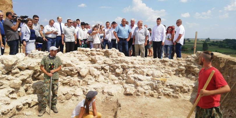 Голямата древна гробница, която разкриваме в село Маноле, община Марица,