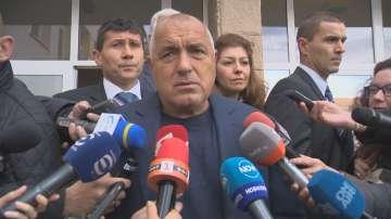 Борисов атакува Радев, че прави политическа агитация в деня на вота